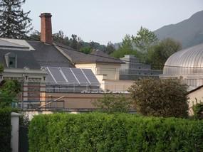 Panneaux solaires du centre thermoludique